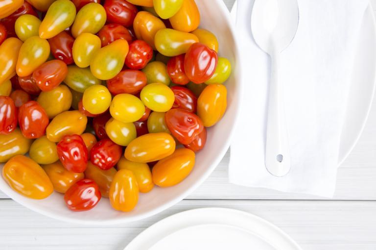 Tomato snack mix